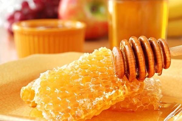 Creme anti-idade com cera de abelha