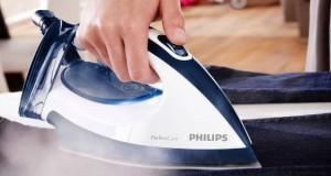 Limpar ferro de passar roupa a vapor e fundo liso