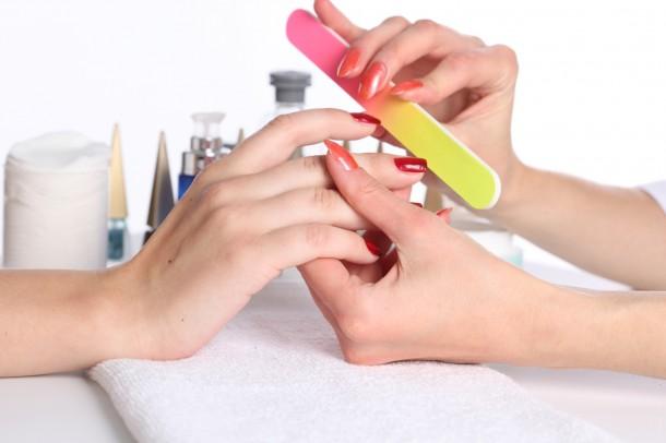 Cuidados que deixam suas unhas mais Bonitas