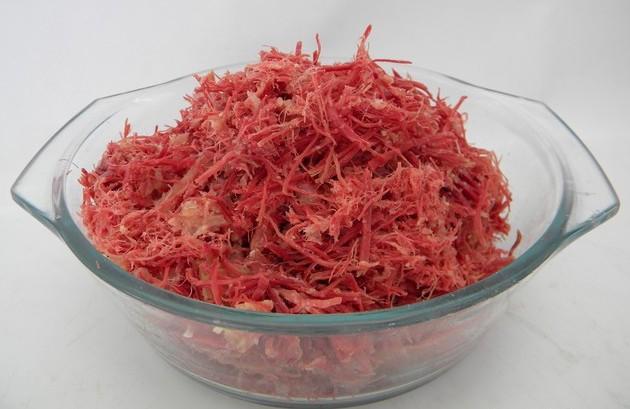 dessalgando-e-desfiando-carne-seca