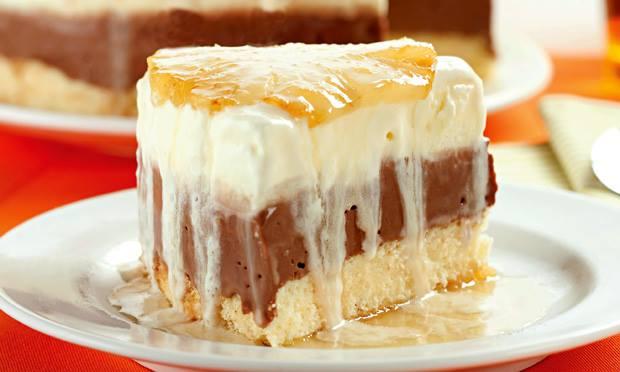Torta gelada de abacaxi e chocolate