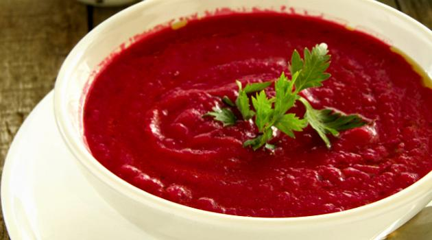 Sopa emagrecedora de beterraba, vitaminada e turbinada de saúde