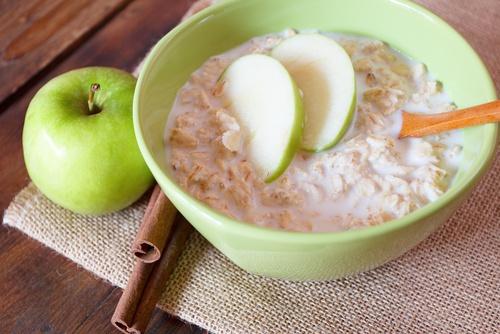 Remédio natural com aveia e maçã verde: saiba tudo que ele pode fazer por você