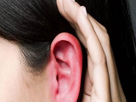 Por que as orelhas ficam vermelhas e quentes