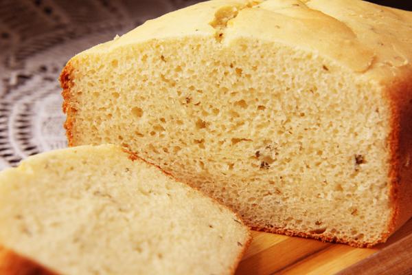 Pão de forma sem glúten no liquificador