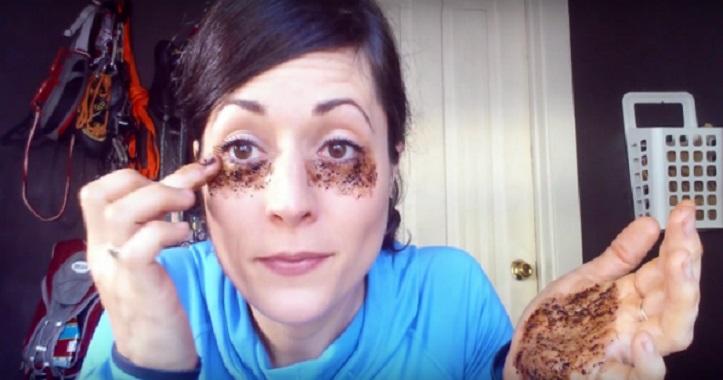 Veja o que acontece quando passa café debaixo dos olhos , incrível !