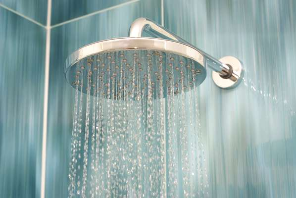 chuveiro limpo