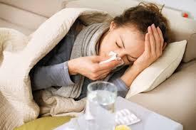 Especialistas diferenciam sintomas e características de gripe e resfriado