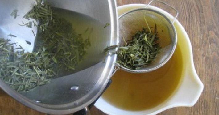 Álcool de alecrim e castanha da Índia para combater a dor nas articulações e varizes