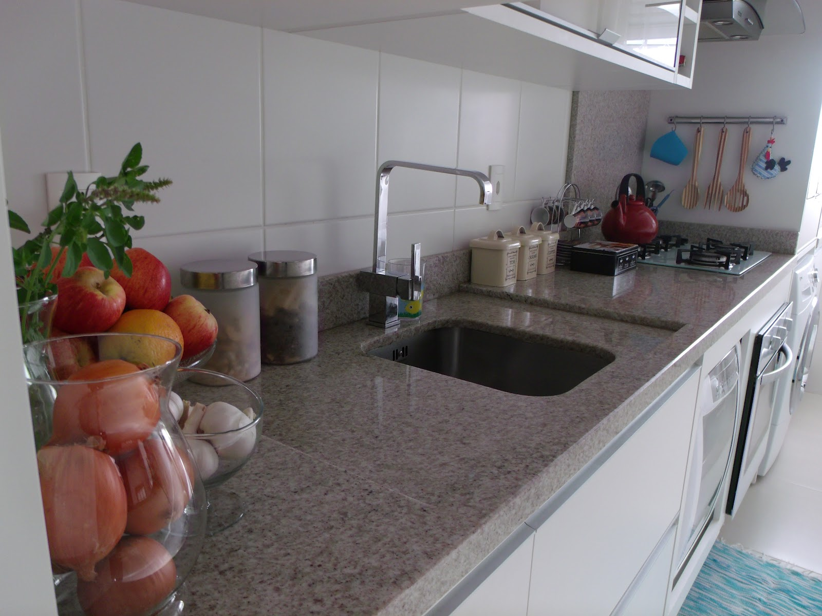 Seu ralo vive entupindo ? da pra resolver sem sair de casa use fermento e limão veja !