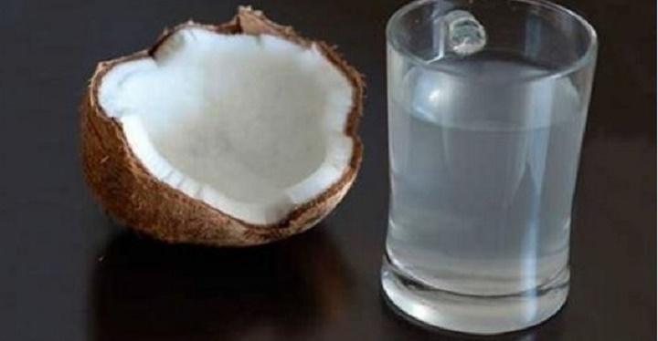 Depois que souber disto, você vai querer beber água de coco todos os dias