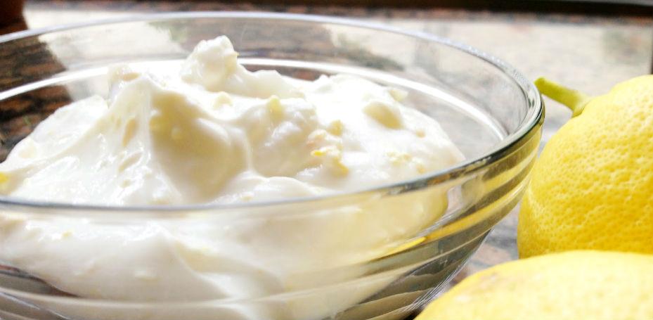 Máscara-para-limpeza-de-pele-com-iogurte-e-limão