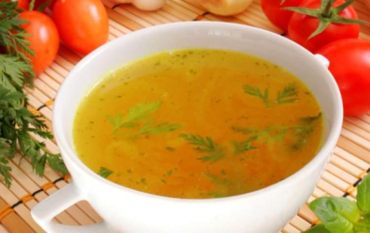 Dieta do caldo emagrece 3 kg por semana