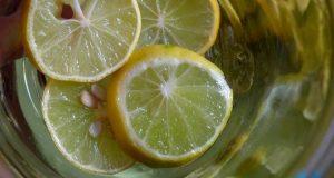 beber-mel-e-limao-de-manha