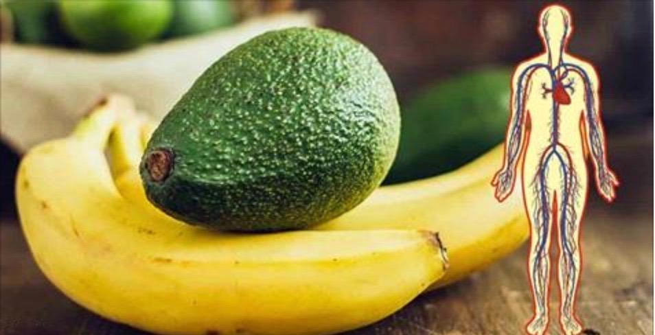 O que pode acontecer no seu corpo se você comer 1 banana e 1 abacate todos os dias!