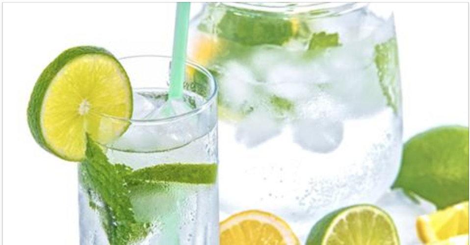 A melhor receita de água de limão você vai aprender agora: ela tem um segredo especial que poucas pessoas conhecem!