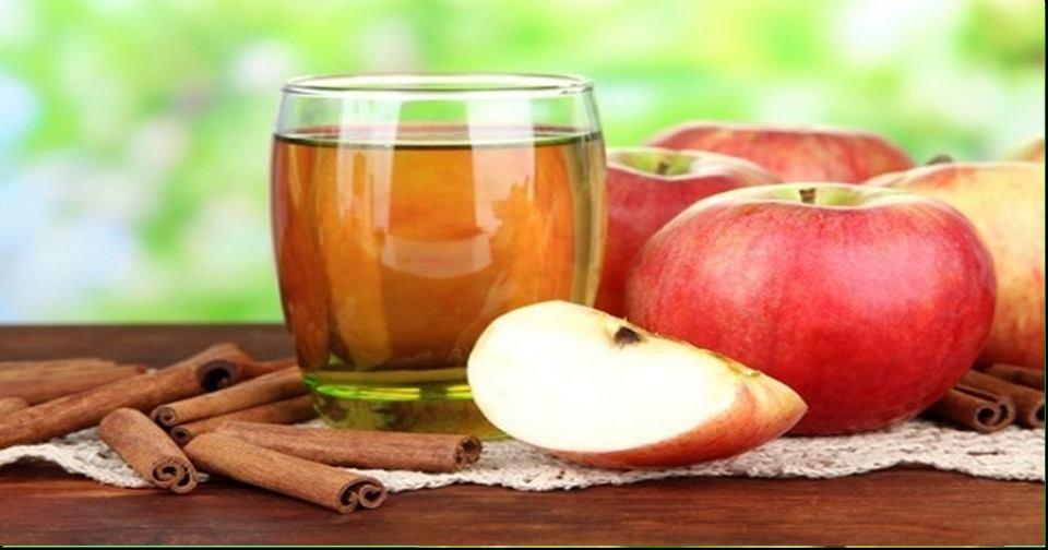 Suco de maçã com canela limpa o corpo de toxinas, aumenta o metabolismo e ajuda na perda de peso.