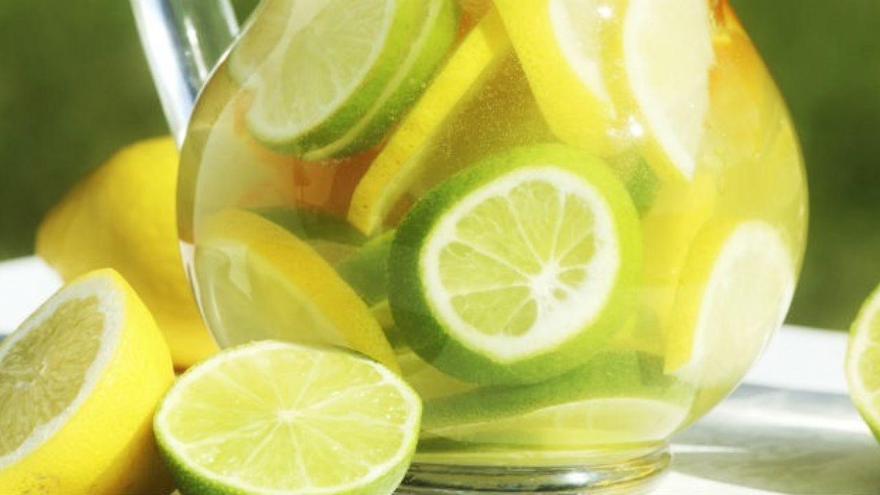 agua-morna-com-limao-beneficios