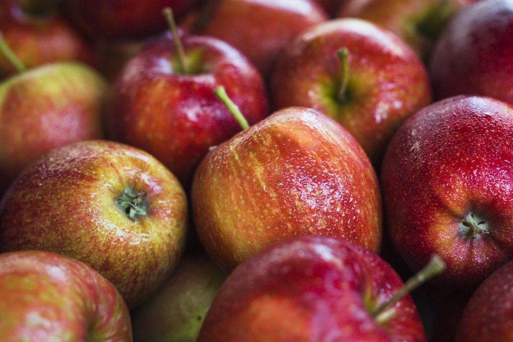 maçã-1024x683