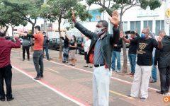 Pastores fazem manifestação pedindo reabertura das igrejas durante a pandemia