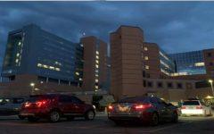 Cristãos em carros cercam hospitais para orar por profissionais e doentes, nos EUA