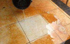 Como limpar piso encardido para ficar brilhando