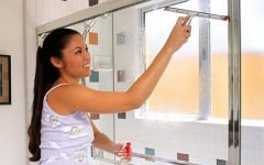 Como Limpar e retirar manchas do Box De Vidro Do Banheiro e deixa-lo como novo