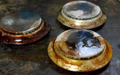 Como limpar peças do fogão grudadas de óleo