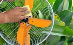 Como usar lustra-móveis no ventilador e acabar com a poeira