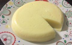 Requeijão de corte caseiro: fácil de fazer, saboroso, saudável e rende 1 kg