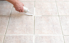 Como limpar rejunte encardido forma simples e rápida