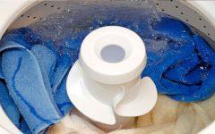 Aprenda usar o Pinho Sol para desinfetar, tira mancha e tira encardidos de roupas.