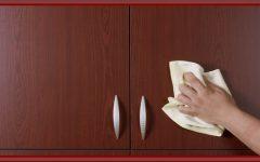 Dicas fáceis – e baratas! – para tirar riscos e manchas dos móveis
