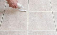 Sua casa vai brilhar depois que você limpar o rejunte dos azulejos com esta receita caseira!